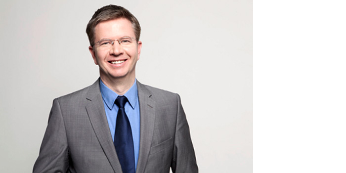 Dr. Thomas Krössin